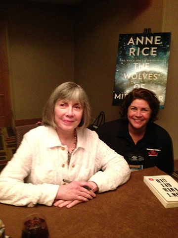 Sandra Brannan at Thriller Fest with Anne Rice
